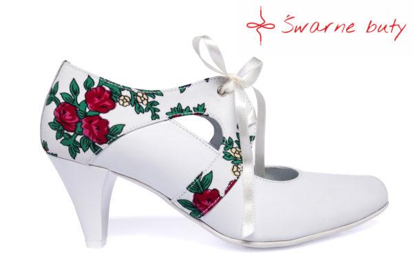 Wiązane buty ślubne