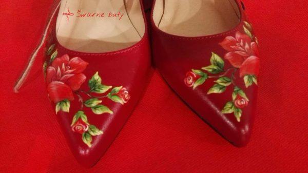 czerwone góralskie baleriny
